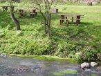 tavoli per picnic a bordo fiume